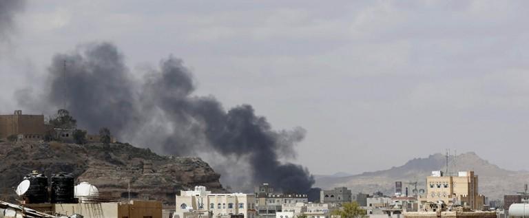 مقتل 12 شخصا في 20 غارة لطائرات التحالف على اليمن