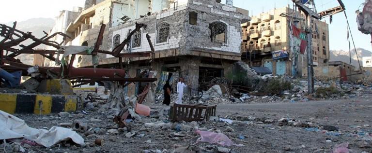 مقتل 20 شخصا وإصابة العشرات في تفجير سيارة مفخخة في نقطة أمنية بعدن