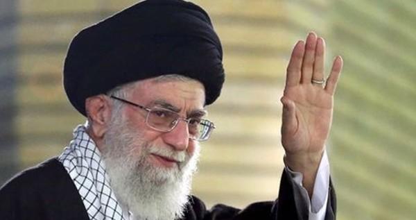 خامنئي: خونة من يعتقدون أن مستقبل إيران في المحادثات وليس الصواريخ