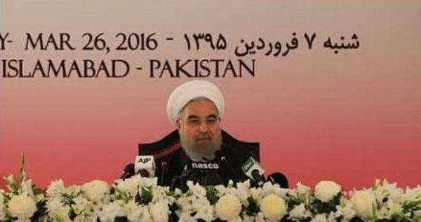 روحاني يرحب بجهود حلحلة المشاكل مع السعودية