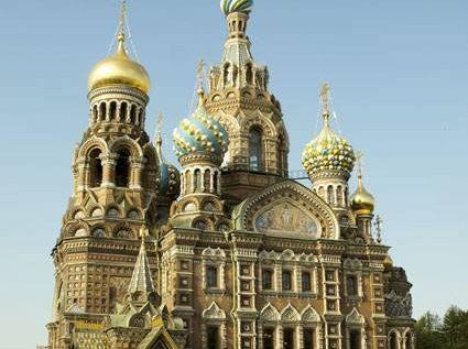 «سان بطرسبرغ» مدينة روسية لا تغيب عنها الشمس