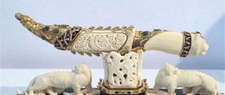 خنجر القذافي الثمين في قبضة الأتراك