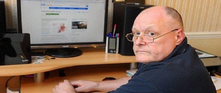 """رجل يكشف عن إصابته بالسرطان عن طريق """"غوغل"""""""