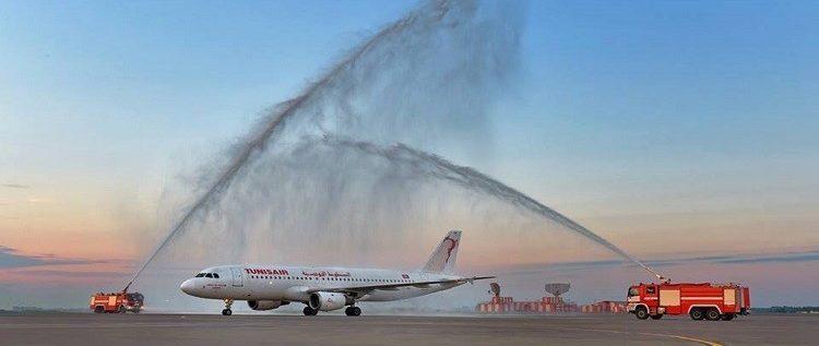 موسكو تستقبل أول رحلة مباشرة من تونس بالمياه