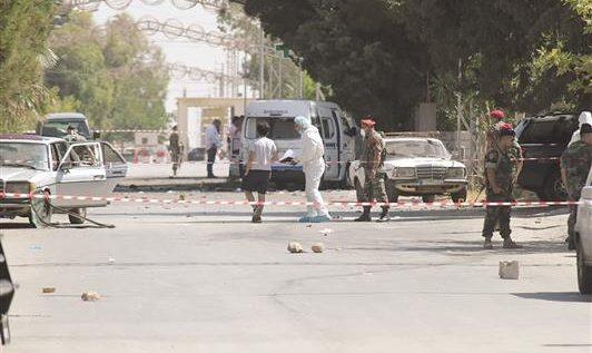"""""""داعش""""تفجّر القاع بثمانية انتحاريين في يوم واحد  خمسة شهداء و25جريحاً"""