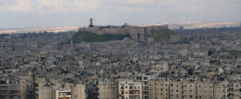 مسلحون يلقون السلاح بصلاح الدين والشيخ مقصود في حلب