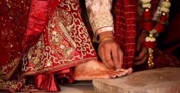 طقوس وعادات يوم الزفاف …إليكم قائمة بالبلدان الأغرب احتفالاً بهذه المراسيم!
