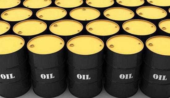 النفط يستفيد من تراجع الدولار وصعود الأسهم الأميركية