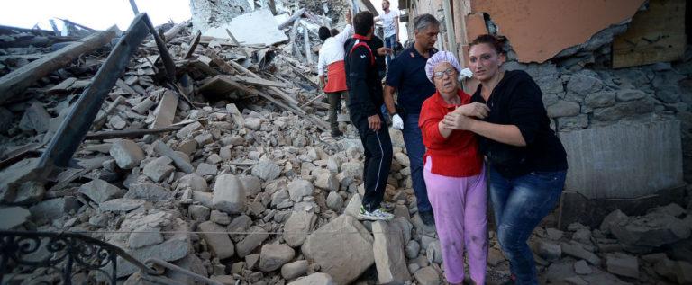 رئيس الوزراء الإيطالي: عدد ضحايا الزلزال تجاوز 120 شخصا