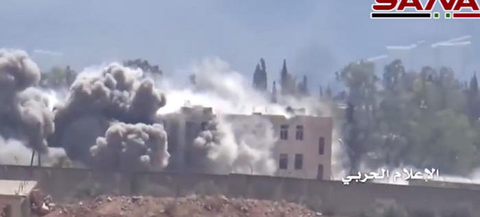 """الجيش السوري ينشر فيديو لاشتباكات """"عنيفة"""" مع جيش الفتح بحلب"""