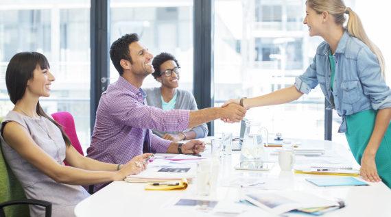 حتى لا تخسر الوظيفة.. تجنب 4 أخطاء عند التفاوض بشأن الراتب