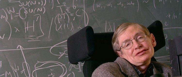 عالم فيزياء مشهور يحذر من خطر الاتصال مع كائنات فضائية