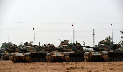 الوحدات الكردية تنسحب من شرقي نهر الفرات للمشاركة في عملية تحرير الرقة