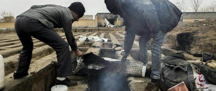 استياء في إيران بعد نشر صور لفقراء يعيشون في المقابر