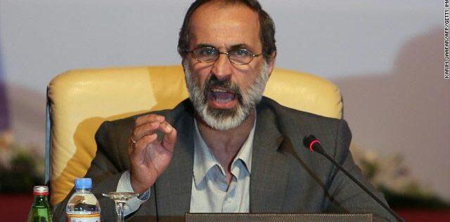 """الشيخ معاذ الخطيب """"يبق البحصة"""".. شيطنتم الإسلام وخربتم سوريا كأدوات لدول إقليمية!"""