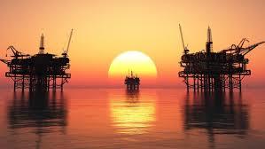 تباين أسعار النفط قبيل عطلة رأس السنة