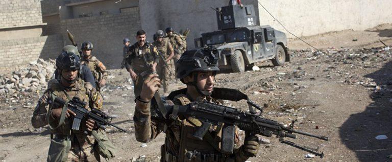 """القوات العراقية تقترب من مركز الموصل مع انهيار دفاعات """"داعش"""
