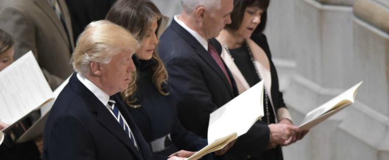 بالفيديو…ترامب يستمع للقرآن في كاتدرائية بواشنطن