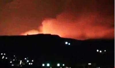 غارة إسرائيلية على موقع للجيش السوري بالقنيطرة وسقوط صواريخ في إيلات