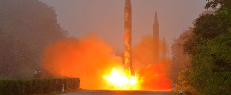 كوريا الشمالية تصور فيديو تدمر فيه حاملة طائرات أمريكية (فيديو)