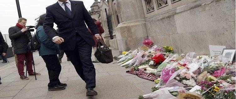 وزير بريطاني شهم يحظى بتكريم الملكة