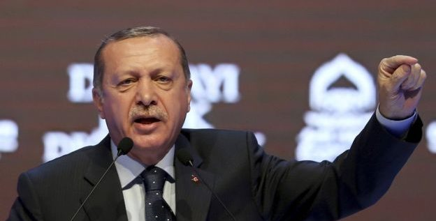 """رغم تحذيرات أوروبا، اردوغان يتهم المانيا بـ""""دعم الإرهاب"""" بسبب الأزمة مع هولندا"""