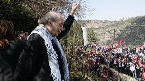 النت اللبناني يصوّب على البيك