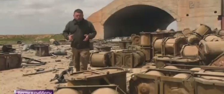 مراسل حربي روسي يفند المزاعم بالصوت والصورة حول حقيقة الحاويات في مطار الشعيرات
