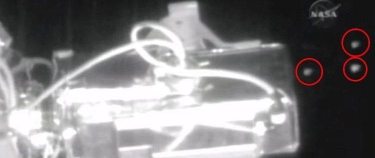 ما الذي ظهر أثناء البث المباشر لناسا من محطة الفضاء الدولية ؟