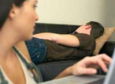 """وضع """"كاميرا"""" في غرفة نومه ليراقب زوجته..هذا ما شاهده!"""