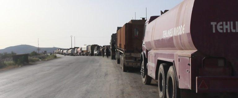 """""""الوحدات الكردية"""" تفرض لوحات سيارات خاصة بها على السيارات الداخلة لعفرين"""