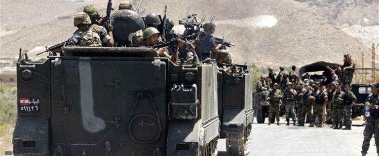 """الجيش يدهم منزل """"أبو طاقية"""" ويضبط 11 سيارة في عرسال"""