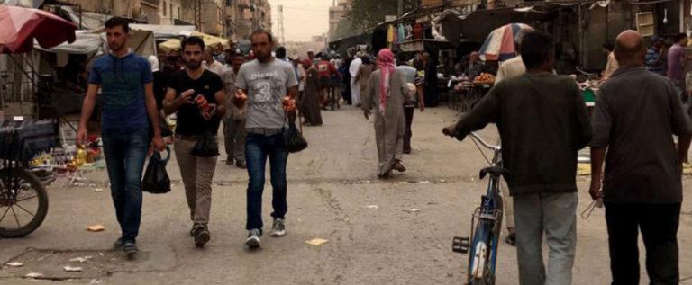 """""""داعش"""" يقتل نحو خمسين شخصا في هجوم بثلاث سيارات ملغومة شرق سوريا"""