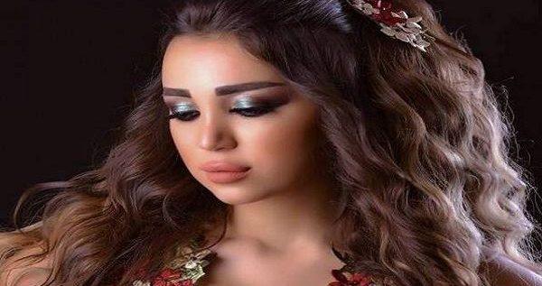 بعد وعدها بخلع ملابسها فور انتهاء المبارة..هذا ما فعلته عارضة أزياء سورية