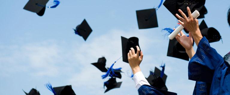 إذا أردت أن تصبح غنياً: 10 تخصصات عليك الابتعاد عن دراستها بالجامعة.. بعضها قد تظنه مجالات مرموقة!