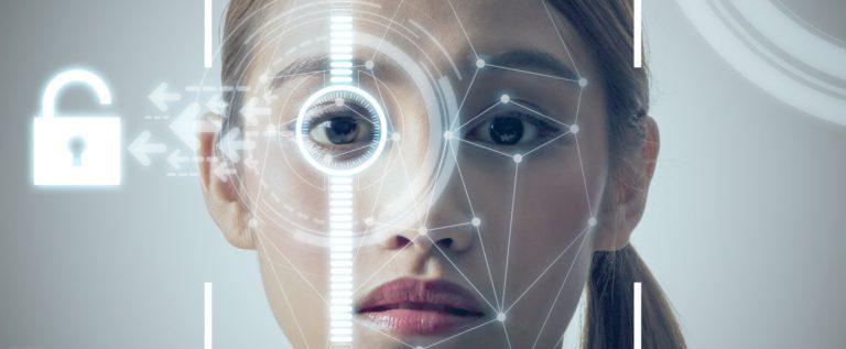 """فشل جديد لتقنية """"Face ID"""" واتهامات بالعنصرية لشركة آبل"""