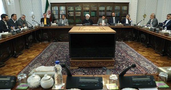 الرئيس روحاني : الشعب الايراني سيتجاوز المشكلات بصلابة