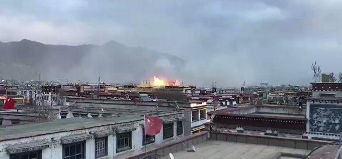 """حريق كبير يدمِّر """"قلب البوذية"""" في الصين.. السلطات الصينية تتكتم على الحادث"""