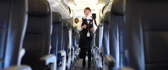صحفي يجلس بأحد مقاعد الطائرة يجد مخططات في جيب المقعد فما هي؟