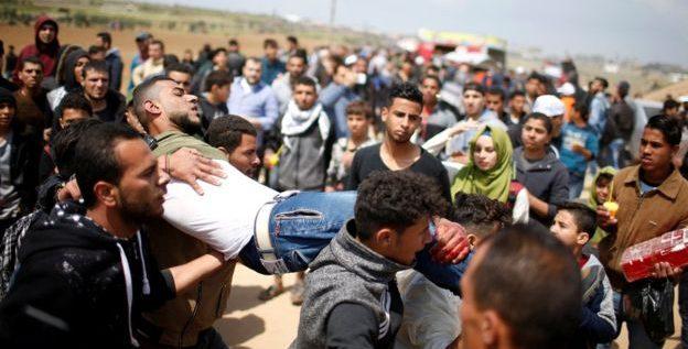 15 شهيدا فلسطينيا وأكثر من ألف مصاب في غزة برصاص جيش الاحتلال الإسرائيلي