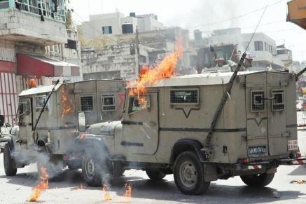 إندلاع مواجهات مع الاحتلال في الضفة المحتلة وقطاع غزة ووقوع اصابات