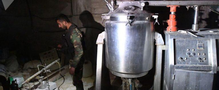 """العسكريون الروس يعثرون على دليل يؤكد تصنيع """"النصرة"""" لأسلحة كيميائية في دوما"""