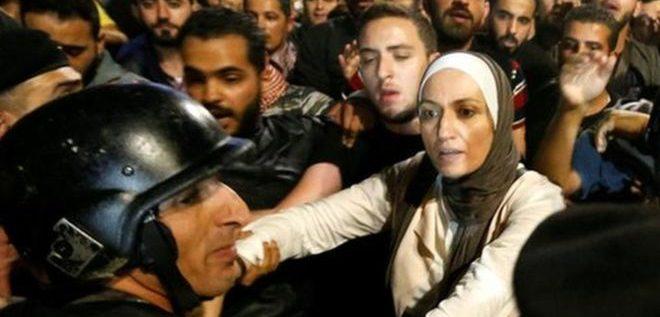 """ملك الأردن يدعو إلى """"حوار وطني شامل"""" مع استمرار الاحتجاجات"""