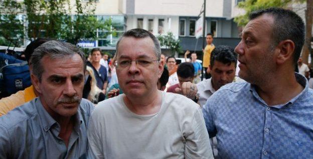 واشنطن لأردوغان: أطلق سراح القس برونسون الآن