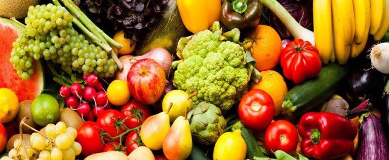 """الطماطم قد تكون ضارة بصحتك! إليك 5 أطعمة """"صحية"""" يمكن أن تصيبك بالسرطان"""