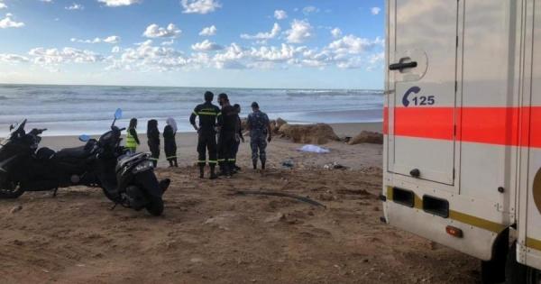 الدفاع المدني: انتشال جثة إمرأة بنغلادشية عُثر عليها مقابل شاطئ الرملة البيضاءالجمعة