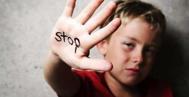 العنف ضد طفلك يسبب له هذه المشكلات الصحية