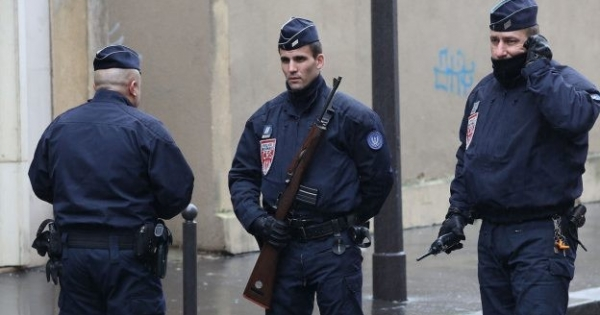 انتحار شرطي فرنسي في باحة مبني رئاسة الحكومة بباريس