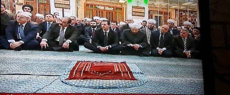 الرئيس #الأسد يشارك في الاحتفال الديني بذكرى #المولد_النبوي_الشريف في رحاب جامع  سعد بن معاذ بـ #دمشق.