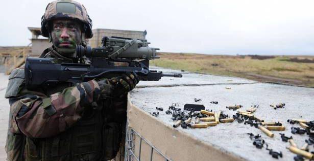 """وزير فرنسي: تغريدة ترامب """"دافعاً إضافياً"""" لإقامة جيش أوروبي"""
